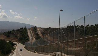 Mig miler d'immigrants intenten entrar a Melilla