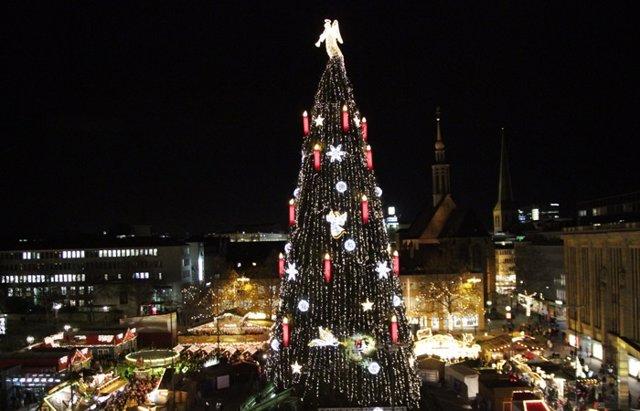 Foto: Dortmund y su espectacular árbol de Navidad... ¿El más grande del mundo? (CORDON PRESS)