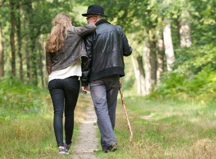 Foto: Cuando los padres envejecen: problemas de salud que vigilar (GETTY/M-IMAGEPHOTOGRAPHY)
