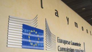 """Brussel·les veu """"risc"""" que Espanya incompleixi el dèficit"""