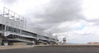 """Foto: Comunidad espera que en """"unas semanas"""" concluya negociación del aeropuerto (EUROPA PRESS)"""