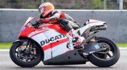Foto: Ducati aprovecha el último test en Jerez para probar los neumáticos Michelin de 2016 (ALVARO RIVERO/CIRCUITO JEREZ)