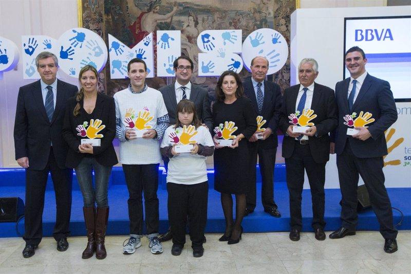 Bbva premia con euros dos proyectos solidarios en for Oficinas bbva palma de mallorca