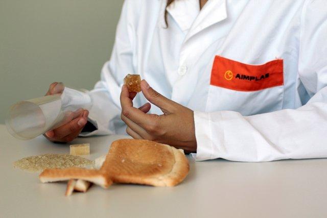 Foto: AIMPLAS desarrolla envases biodegradables para mantecados elaborados a partir de desechos de pan