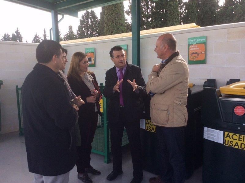 Medio Ambiente dota de un punto limpio de recogida de residuos al ... - Europa Press