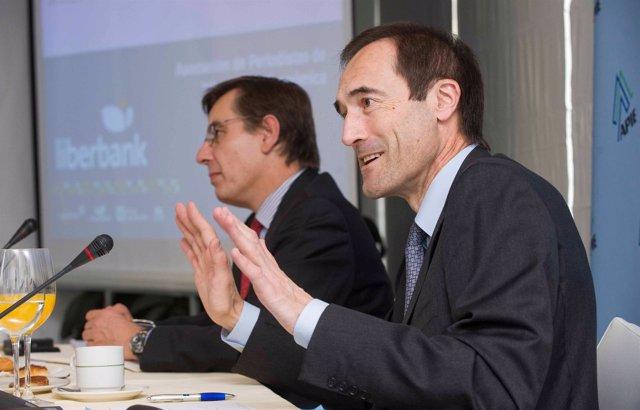 Foto: Liberbank aumenta un 8% su red de terminales de venta con tarjeta
