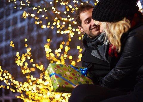 ¿Cuánto Gastamos En El Regalo De Navidad De Nuestra Pareja?