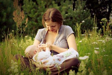 Foto: El 70% de las madres abandona la lactancia después de seis meses (FLICKR/AURIMAS MIKALAUSKAS)