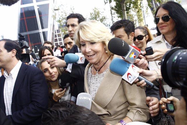"""Foto: Esperanza Aguirre duda de que deba ser castigada con un """"fusilamiento al amanecer"""" por una infracción de tráfico"""