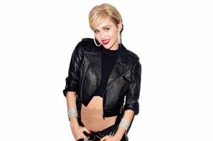 Foto: Miley Cyrus y su prenda favorita, los pantys sin costuras de Golden Lady (MILEY CYRUS COMO LA NUEVA IMAGEN DE LOS PANTYS SIN)