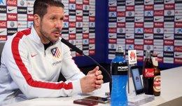 """Foto: Simeone: """"Intentaremos como siempre hacer el equipo más competitivo"""" (ÁNGEL GUTIÉRREZ)"""