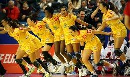 Foto: Las 'guerreras', a semifinales con exhibición (HTTP://HUNCRO2014.EHF-EURO.COM/)