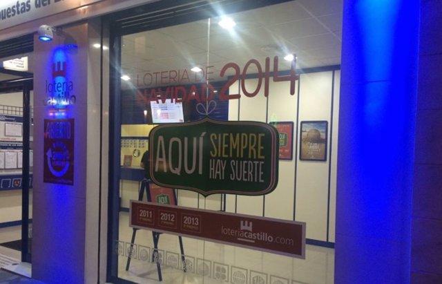 Foto: ¿Dónde está la Lotería de Navidad, aquí o aquí? Los décimos escondidos de Alaquàs (FACEBOOK @LOTERIA CASTILLO ALAQUAS)
