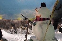 Foto: Papá Noel llega al ecosistema polar de Faunia cargado de regalos (FAUNIA)