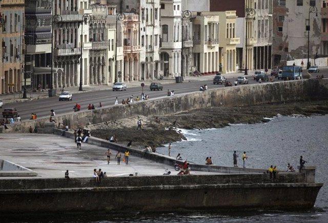 """Foto: Las agencias de viajes califican de """"muy positivo"""" para el turismo español el acercamiento entre Cuba y Estados Unidos"""