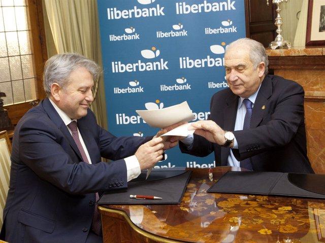 Foto: Universidad y Liberbank potencian el bilingüismo y la retención de jóvenes talentos con un nuevo acuerdo