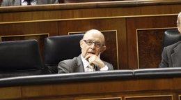 Foto: Toda la oposición en el Congreso, incluida UPN, se quejan al PP de la escasez de enmiendas aceptadas (EUROPA PRESS)