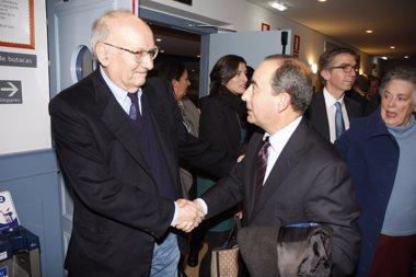 """Foto: Medalla de Plata para un Mario Camus """"de vuelta de casi todo"""" (GOBIERNO DE CANTABRIA)"""