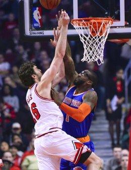 Foto: Pau Gasol decide para los Bulls el duelo entre españoles ante los Knicks de Calderón (USA TODAY SPORTS / REUTERS)