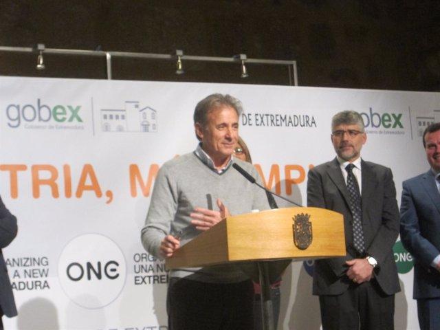 """Foto: IU apuesta por la búsqueda de """"espacio comunes de intersección"""" para la reforma fiscal autonómica"""