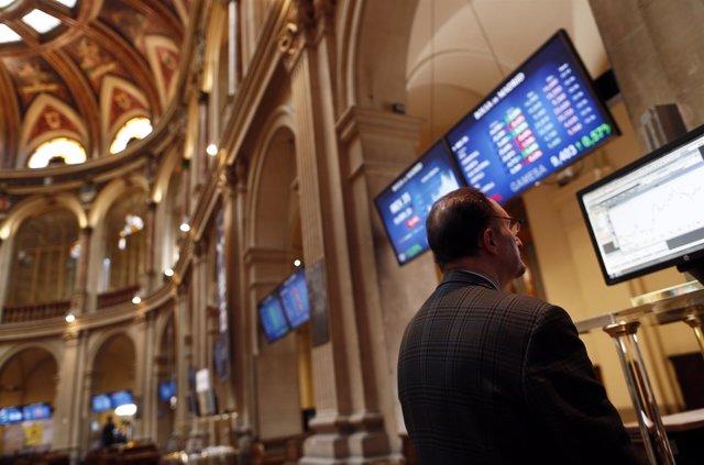 Foto: El Ibex 35 se da la vuelta y pierde un 1,49% en la media sesión