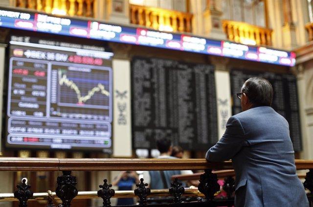 Foto: El Ibex 35 cierra con un caída del 0,27%, pero acumula una revalorización del 2,15% en la semana
