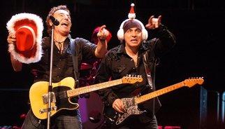 10 villancicos alternativos para entonarse en Navidad con U2, Ramones, Springsteen...