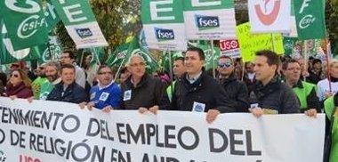 Foto: Unas 5.000 personas se manifiestan en Sevilla por la situación de los docentes de Religión según los convocantes (EUROPA PRESS/ANPE)