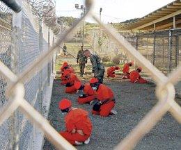 Foto: EEUU envía a cuatro presos de Guantánamo de vuelta a Afganistán (REUTERS)