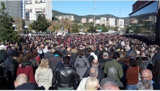 Más de 2.500 personas se quedan fuera del acto de Pablo Iglesias en Barcelona tras completar aforo