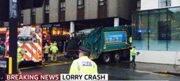 Foto: Seis muertos tras ser arrollados por un camión de basura en el centro de Glasgow (SKY NEWS/EP)