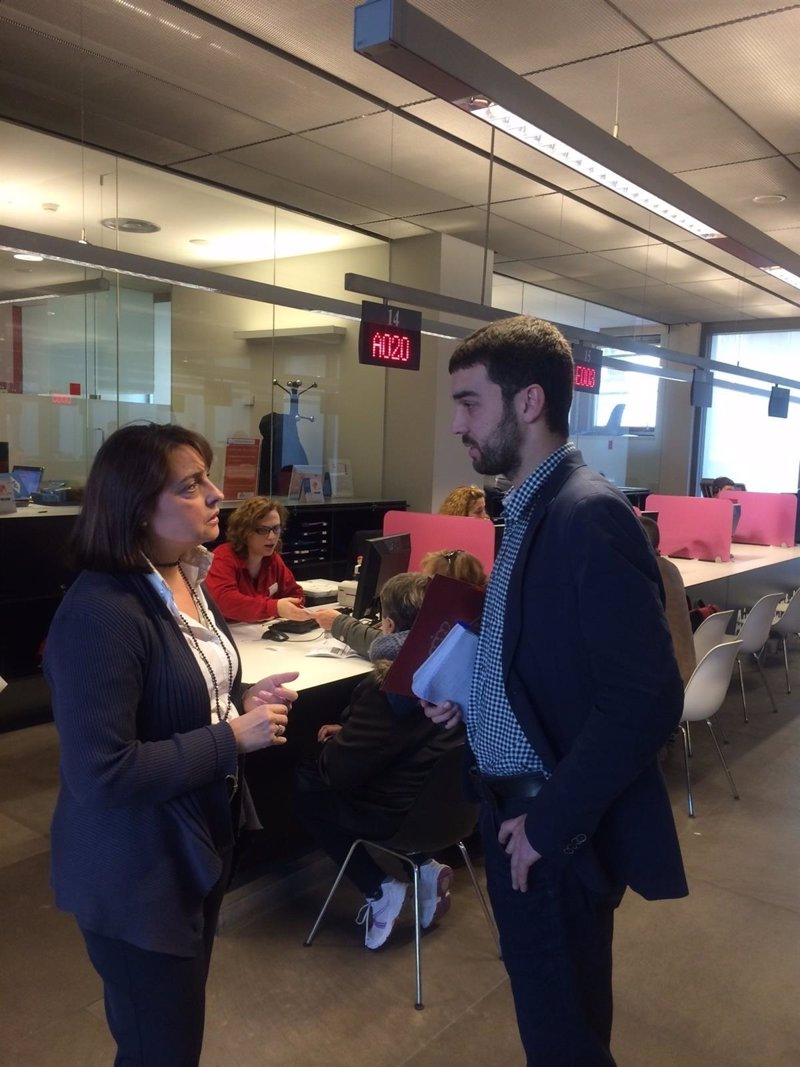 Barcelona pone en marcha un servicio de asesoramiento a for Oficina paro tarragona
