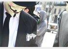Foto: Condenan a prisión a un periodista por compartir enlaces a datos robados por Anonymous
