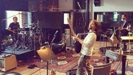 Foto: Muse ponen título a su nuevo disco: Drones (MUSE)