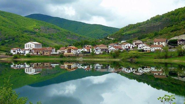 Foto: Publicada la nueva Guía de Turismo Rural de Navarra 2015