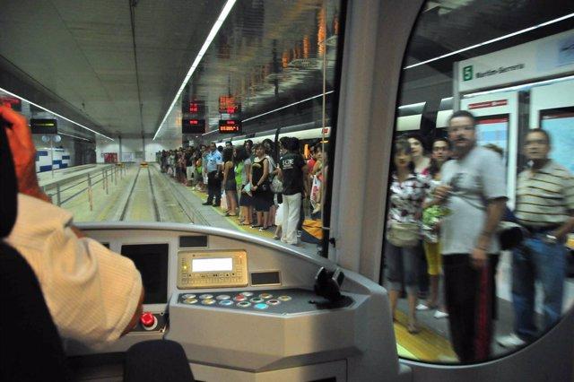 Foto: Metrovalencia inicia una campaña de promoción de la nueva tarjeta monedero TuiN