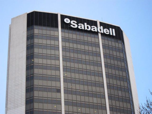 Foto: Banco Sabadell ganó 371,7 millones en 2014, un 50% más