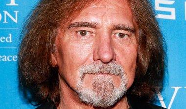 Foto: El bajista de Black Sabbath, Geezer Butler, arrestado tras una pelea en un bar (CORDON PRESS)