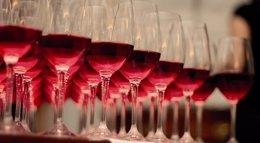 Foto: El consumo de vino con denominación de origen crece un 1,7% hasta octubre, con 103,8 millones de litros (EUROPA PRESS/DO VALDEPEÑAS)