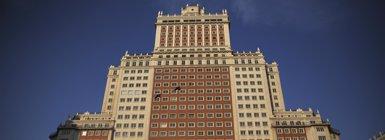 Foto: Madrid da luz verde a la reforma del Edificio España (REUTERS)
