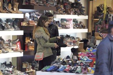 Foto: Cantabria tercera ccaa donde más suben las ventas y el empleo del comercio minorista (EUROPA PRESS)