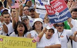 Foto: EEUU aceptará solicitudes de los hijos de inmigrantes indocumentados para lograr un estatus legal temporal (Reuters)
