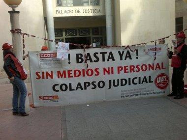 """Foto: L'advocat d'Ortiz afirma que no és delicte """"tenir detalls amb coneguts"""", sinó """"un costum a Espanya"""" (EUROPA PRESS)"""