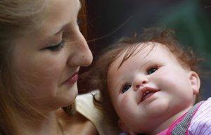 Foto: Conexión Samanta: Bebés reborn, los muñecos cuidados por adultos como si fueran niños (CORDON PRESS/CHANCE)