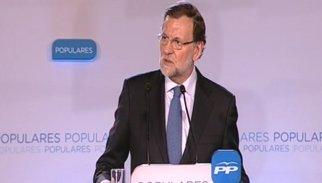 """AMP.- Rajoy dibuixa un escenari de creixement davant dels que """"pinten una Espanya negra"""""""