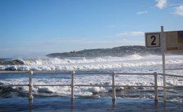 Foto: Continúa el temporal que mantiene en alerta a 34 provincias por nieve, aludes, lluvias, viento y olas (EUROPA PRESS)