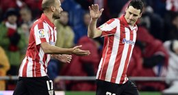 Foto: Aduriz da aire al Athletic y hunde al Levante (VINCENT WEST / REUTERS)
