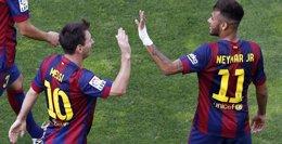 Foto: Messi y Neymar aprovechan la sanción de Cristiano (SERGIO PÉREZ / REUTERS)