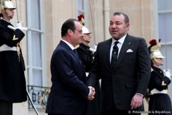 Hollande recibe a Mohamed VI en el Eliseo