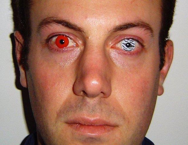 experto advierte de que un uso inadecuado de lentillas de fantasa puede provocar riesgos muy graves - Lentilles Colores